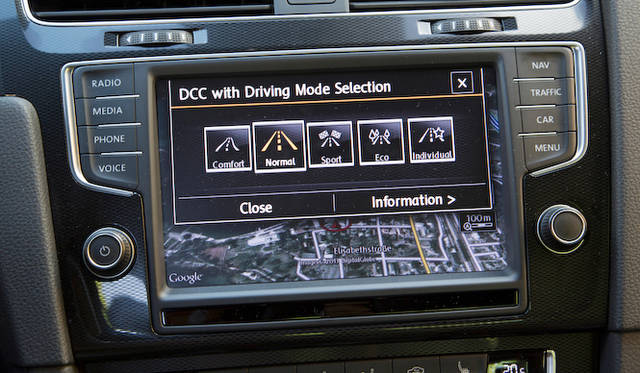 コンフォートモード付き、アダプティブシャシーコントロール「DCC」は、日本では1,4リッターエンジンの「ハイライン」にもオプション設定されている