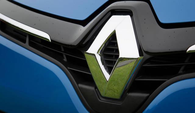 オプションの「パック・クルール」を選択すると、ボディカラーに応じた色をあしらったアルミホイールをはじめ、ダッシュボードやシートなどに特別なカラーリングがほどこされる