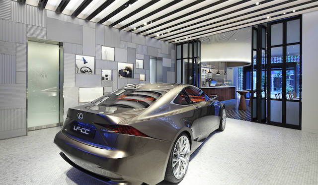 クルマカルチャーとライフスタイルを提案するエキシビジョンスペース「Garage」