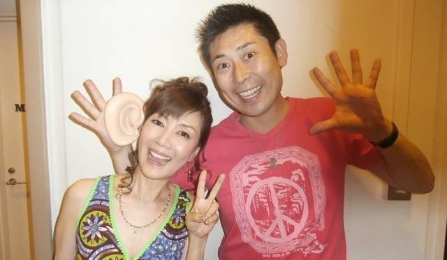 <strong>戸田恵子×植木 豪</strong> 10回目を迎えたカジュアルライブと新作Tシャツを語る<br /><br />  ゲストのマギー審司さんと