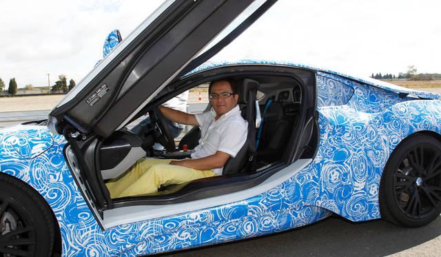 BMW i8と、西川淳氏