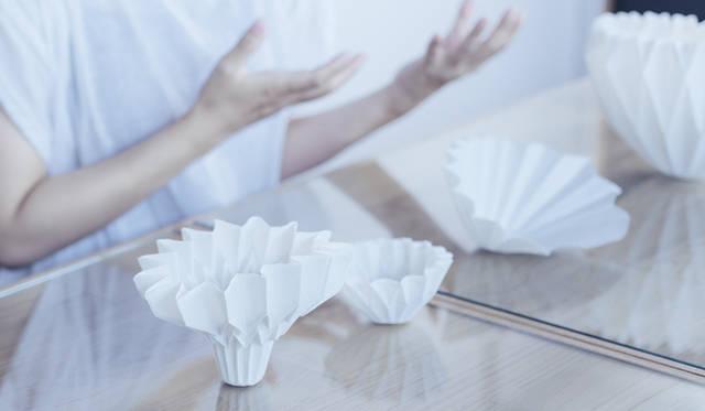 紙を使うことで、さまざまな形を作ることができるということが、この作品の魅力をいっそう引き立てている