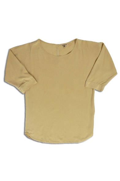 "<p class=""brandname"">Levi's&#174; Made &amp; Crafted&#8482;</p>  <p class=""maintitle"">2013年秋冬コレクション<br /> 全アイテムを披露!</p> <p class=""titleS"">01|Tシャツ&カットソー</p> <p class=""titleMW"">MEN'S&WOMENS</p> <br /><br />  リーバイス&#174; ダブルエックス<br /> Tel. 03-6418-5501<br /> (9:30~18:00|土・日曜休)    <ul class=""wpage"">  <li class=""menuB"">01|Tシャツ&カットソーを探すなら</li>  <li><a href=""/gallery/320954?rp=lmcmenu"">02|シャツを探すなら</a></li>  <li><a href=""/gallery/320957?rp=lmcmenu"">03|セーターを探すなら</a></li>  <li><a href=""/gallery/320960?rp=lmcmenu"">04|アウターを探すなら</a></li>  <li><a href=""/gallery/320961?rp=lmcmenu"">05|ジーンズを探すなら</a></li>  <li><a href=""/gallery/320962?rp=lmcmenu"">06|その他(メンズ)を探すなら</a></li>  <li><a href=""/gallery/320984?rp=lmcmenu"">07|その他(ウィメンズ)を探すなら</a></li>  <li><a href=""/gallery/320963?rp=lmcmenu"">08|小物を探すなら</a></li>  </ul>"