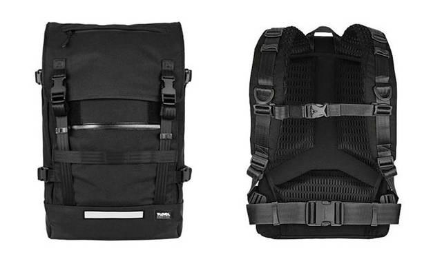 <strong>T-LEVEL|ティーレベル</strong> コーデュラ生地や防水ジッパーを使用するなど、耐久性と防水性に優れたモデル。「Challenger 32L Backpack」2万5900円