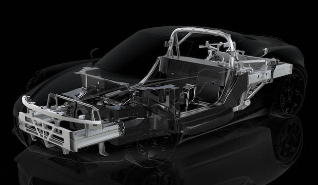 重量65kgしかないカーボンモノコックタブに、アルミのサブフレームを使用。車両全体でも、その乾燥重量はわずか895kgだ