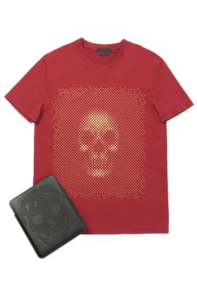 <strong>MEN'S|メンズ</strong><br /> <strong>BARNEYS NEW YORK|バーニーズ ニューヨーク</strong><br /> Tシャツ1万8900円、iPadケース6万900円(ALEXANDER McQUEEN)