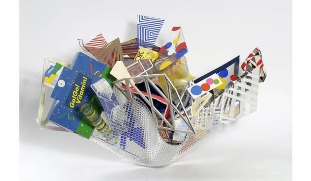<strong>ART|『六本木クロッシング2013展:アウト・オブ・ダウト-来たるべき風景のために』</strong> 高坂正人《Return to Forever (Productopia)》 2009年 ダンボール、木、プラスチック、MDF、 アクリル、塗料、紙、ジュースの缶、テープ、不要になった製品包装 サイズ可変 展示風景:「キュビスムとオーストラリア美術」ハイド近代美術館、メルボルン Photo: John Brash