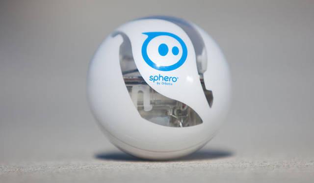 <strong>Orbotix|オルボティクス</strong> ロボティックボール・スマートトイ・ゲームシステム「sphero(スフィロ)2.0」 内部が一部透けて見える特別バージョンはApple Store店舗限定