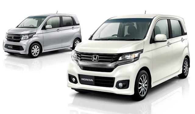 「N」シリーズの新型軽自動車「N-WGN」(奥)と「N-WGN カスタム」(奥)