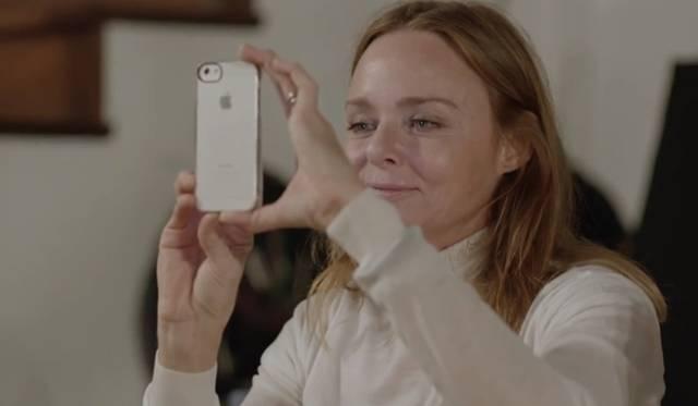 <strong>NEWS|ケイト・モス、トム・フォード、ジョニー・デップらが出演するポール・マッカートニーの新曲PV「クイーニー・アイ」を公開!</strong> ステラ・マッカードニーがPVのメイキング動画に登場