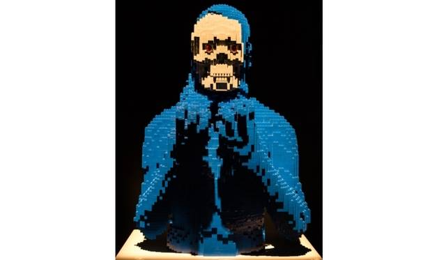 <strong>ART FILE 25|「THE ART OF THE BRICK」</strong> Underneath(下面)
