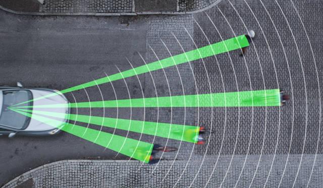 """""""サイクリスト検知機能""""検知イメージ図。検知、認識できる自転車の数に制限はなく、複数の自転車をターゲットしてとらえつづけることが可能だという"""
