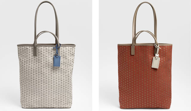 「Limousine Bag」ホワイト参考商品、レッド14万1750円