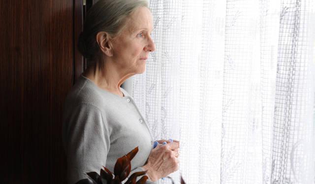 母イヴェットにはベテラン、エレーヌ・ヴァンサンを配役 © TS Productions - Arte France Cinema - F comme  Films - 2012