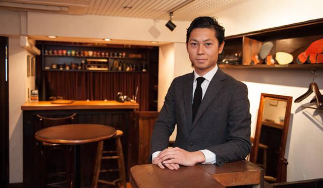 長谷川氏はもうすぐ30歳。ブリフトアッシュは靴好きにはおなじみのシューズラウンジ