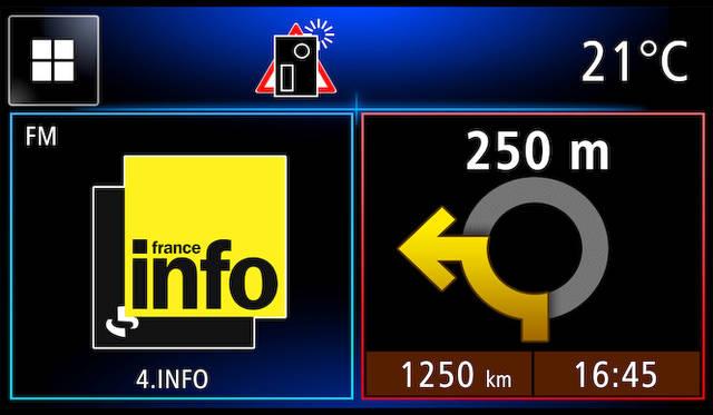 インフォテイメントシステム「R&GO」でのホーム画面。ナビゲーションや各種警告が表示される