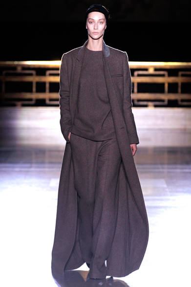 """<strong>HAIDER ACKERMANN ハイダー アッカーマン</strong> <a href=""""/article/22166"""" class=""""link12lh15blue"""">2014年秋冬コレクション</a>"""