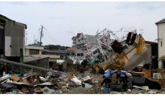 <strong>ART|東京国立近代美術館で特集『地震のあとで-東北を思うIII』</strong> Chim↑Pom《気合い100連発》&#169; Chim↑Pom