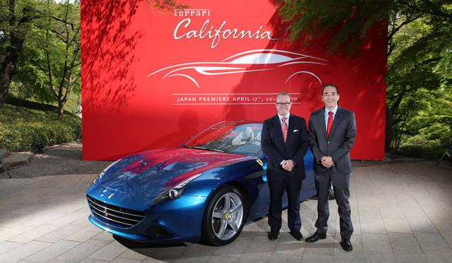 フェラーリ・ジャパンのプレジデント&CEO ハーバート・アプルロス(左)と、フェラーリ S.p.A フェラーリ極東エリア統括 マネージング・ディレクターを務めるジュゼッペ・カッターネオ氏(右)