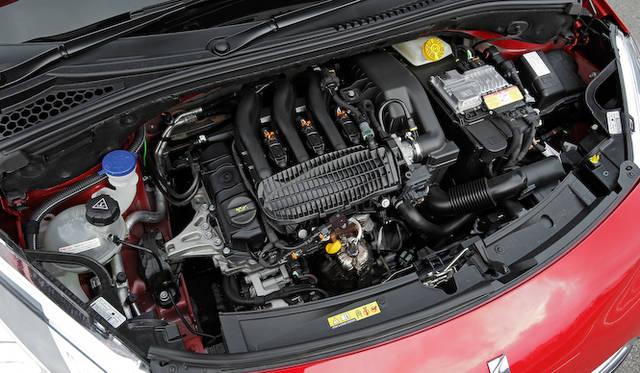 1.2リッター3気筒NAエンジンは、最高出力60kW(82ps)/5,750rpm、最大トルク118Nm(12.0kgm)/2,750rpmを発揮