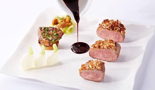 フランス産 鴨胸肉とジョーダンアーモンド アマレットソース