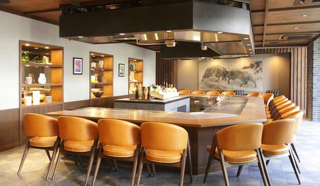 鉄板焼きレストラン「Steak house Medium Rare」
