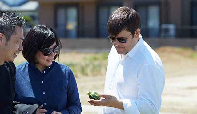トロション氏は「須永農園」の野菜の質と生産者の志を絶賛する