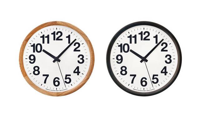 <strong>Lemnos|タカタレムノス</strong> 左/Clock A / ナチュラル(YK14-05 NT)、右/Clock A / ブラック(YK14-05 BK)