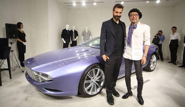 コスチューム・ナショナルのファッションデザイナーであるエンニョ・カバサ氏と、ザガートのチーフデザイナー原田則彦氏