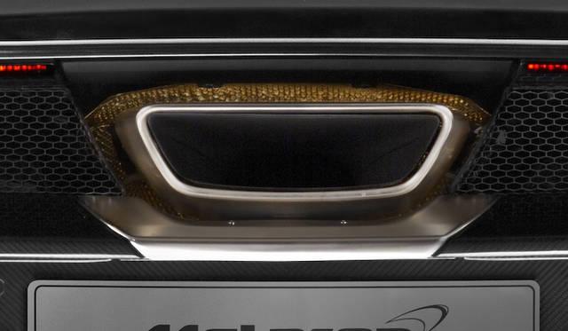 エグゾーストは、F1でも採用される耐腐食性と耐熱性にすぐれたインコネル製