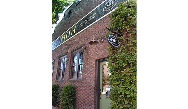 ポートランドでお気に入りのカフェ。1つ目は自身が営む「スミス・ティーメーカー」