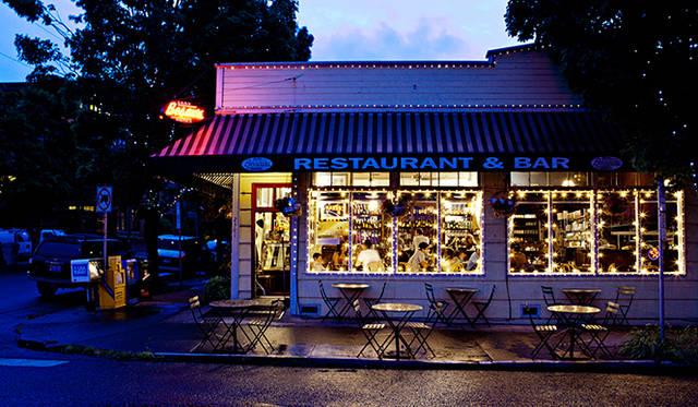 ポートランドでお気に入りのカフェ「ビソーズ」。朝食や紅茶を片手におしゃべりするのにぴったりだという