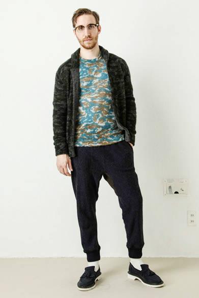 camouflage print mohair cardigan 3万4560円、camouflage print mohair pullover 2万8080円