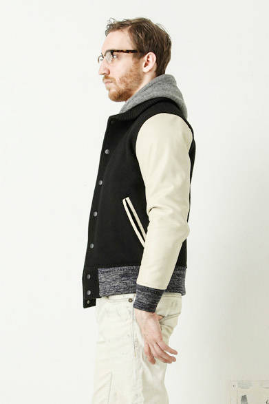 studium jumper 6万3720円、wholegarment logo print hoodie 2万2680円