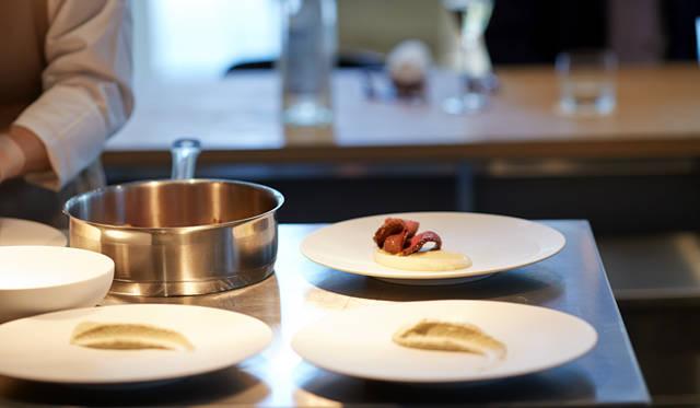 大住が選んだ「和牛ロースト」は、1カ月ほど吊るした短角牛のモモ肉を使った一皿