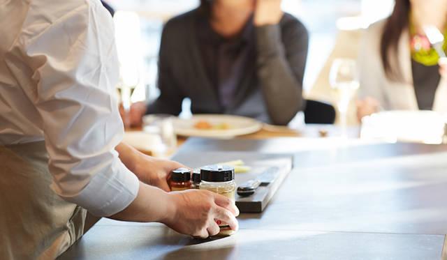 「ニンジン ソバ」の隠し味は、コリアンダーやカレーパウダーなどのスパイス。スパイシーでエキゾティックな香り付けに一役買っている