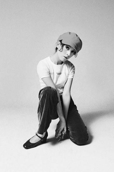 <strong>写真集アプリ「野上眞宏のSNAPSHOT DIARY」</strong> 1970年6月 当時有名なモデルさん・タレントの松本洋子さんに『アン・アン』風のスタジオ写真撮影をお願いした。洋子さんはチャーミングなだけじゃなくて、とても優しいひとで、気安く請け負ってくれた。とってもとってもうれしかった。 &#169; Mike Nogami