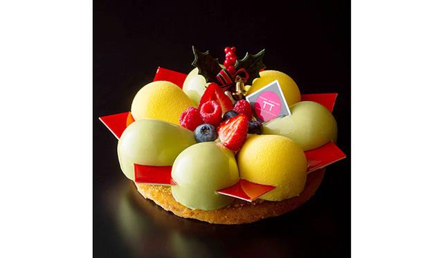 "<strong>Holiday Gift Guide 2014<br /> 今年買うべきクリスマスケーキはこれだ!</strong><br /><br />  <H1 id=""title3"">ピエール・ガニェール パン・エ・ガトー</H1> <div style=""height: 7px;"">&nbsp;</div>  <H1 id=""title2"">ガニェール式クリスマス・リース</H1> <div style=""height: 7px;"">&nbsp;</div>  <div id=""creator_contents_subtext""> 3ツ星シェフ、ピエール・ガニェール氏がプロデュースする「ピエール・ガニェール パン・エ・ガトー」。今年のクリスマスに向けて打ち出すのは、聖夜を華やかに演出するアーティスティックな世界。赤いチョコレートがアクセントの「ピスターシュ マンダリン」は、ガニェール氏がイメージするクリスマス・リースを形にした一品。ピスタチオ風味のタルトのうえに、丸みが愛らしいマンダリンオレンジとプラリネのムース、ピスタチオとフランボワーズのムースを交互に配置。さらにそれを赤いチョコレートのプレートで繋げている。ひと口食べれば、爽やかな酸味と甘みが口のなかに一気に弾ける。  <br /><br />  <strong>「ピスターシュ マンダリン」</strong><br /> 価格|6480円(直径18センチ)<br /> 予約期間|12月12日(金&#65038;)まで<br /> 引渡期間|12月20日(土)~25日(木)<br /> 引渡場所|ANAインターコンチネンタルホテル東京 2階「ピエール・ガニェール パン・エ・ガトー」<br /> 予約方法|電話、ウェブサイト<br /><br />  ピエール・ガニェール パン・エ・ガトー<br /> 東京都港区赤坂1-22-33 ANAインターコンチネンタルホテル東京 2階<br /> Tel. 03-3505-1111<br /> http://www.anaintercontinental-tokyo.jp </div>"