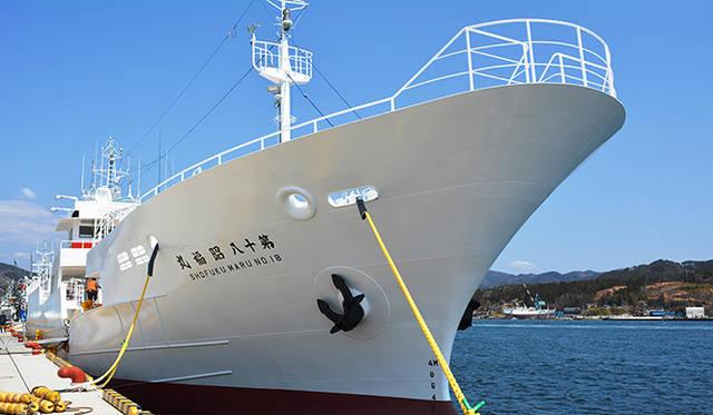 純白がまぶしい「大十八昭福丸」。コストは増すがあえて地元・気仙沼の造船会社に依頼。最新設備の快適性と安全性を持つ