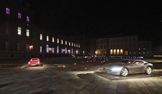 サボイアの宮殿(トリノ)に展示される現代のプロトタイプ、マセラティ「アルフィエリ」