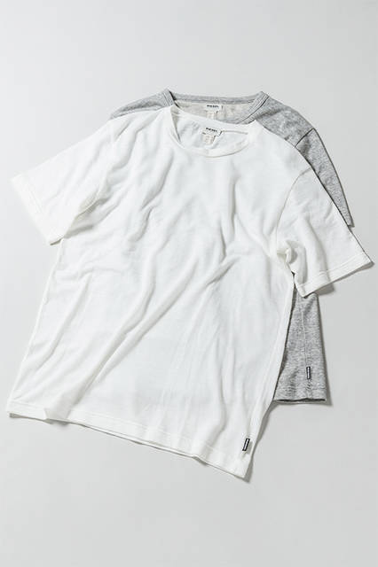 Tシャツ|各8800円(税抜)