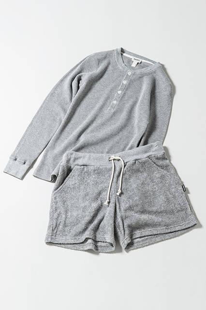 ヘンリーネックTシャツ|9800円(税抜)<br/> ショートパンツ|8800円(税抜)