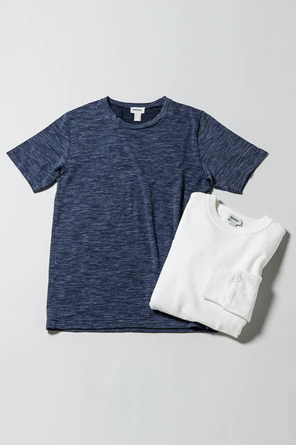 Tシャツ|8800円(税抜)<br/> プルオーバー|1万800円(税抜)