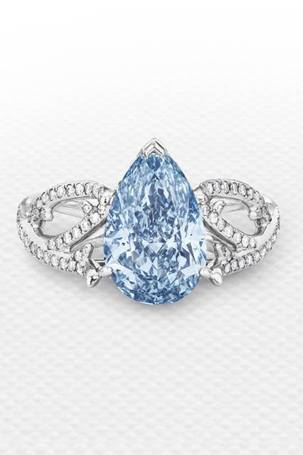 素材|ブルーダイヤモンド<br />(メインダイヤモンド:2.62ct)