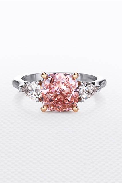 素材|ピンクダイヤモンド<br> (メインダイヤモンド:3.69ct)