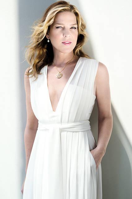 ジャズピアニスト・歌手のダイアナ・クラール。Billboard誌で、2000年代に2番目に最も有名なジャズアーティストとして、取り上げられる。