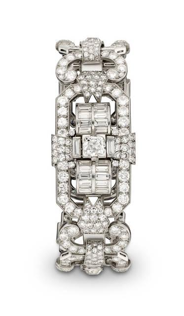 <strong>シークレット ジュエリー ウオッチ</strong><br />1952年製<br /> ケース|プラチナ<br /> ブレスレット|プラチナ、ダイヤモンド<br />