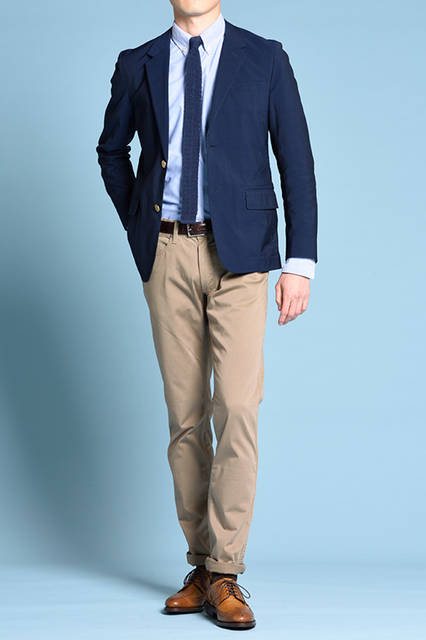 """<strong>MEN'S STYLE</strong><br /> パンツ裾をロールアップすることで、上品なウィングチップシューズの存在感を生かしたプレッピーなスタイリング。   <br />  <a href=""""/gallery/1470755/2"""" class=""""link_underline""""> 靴 3万240円   </a>  <br /> <br />  <a href=""""http://www.regalshoes.jp/week/16s/mens/#shoes01"""" target=""""_new"""">http://www.regalshoes.jp/week/16s/mens/#shoes01</a>"""