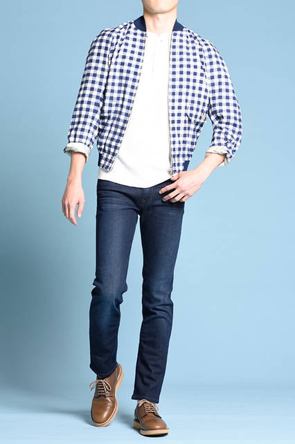 """<strong>MEN'S STYLE</strong><br /> ラフな着こなしには、プレーントゥのカジュアルなレザーシューズで、大人の落ち着きをプラスするのがポイント。  <br />  <a href=""""/gallery/1470755/11"""" class=""""link_underline""""> 靴 2万8080円  </a>  <br /> <br />  <a href=""""http://www.regalshoes.jp/week/16s/mens/#shoes11"""" target=""""_new"""">http://www.regalshoes.jp/week/16s/mens/#shoes11</a>"""