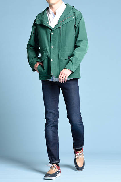 """<strong>MEN'S STYLE</strong><br /> アクティブなスタイルには、タウンからリゾートまで活躍してくれるトリコロールのデッキデザインのカジュアルシューズでアーバンな彩りを。  <br />  <a href=""""/gallery/1470755/15"""" class=""""link_underline""""> 靴 1万9440円</a>  <br /> <br />  <a href=""""http://www.regalshoes.jp/week/16s/mens/#shoes15"""" target=""""_new"""">http://www.regalshoes.jp/week/16s/mens/#shoes15</a>"""